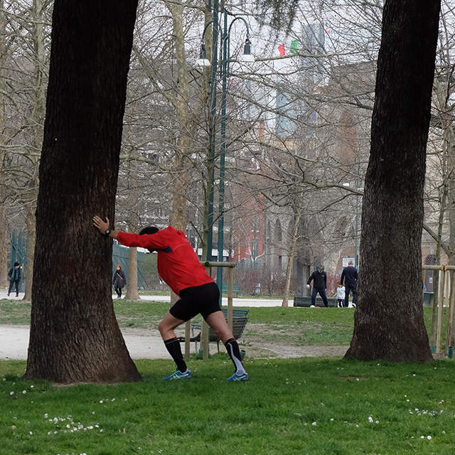 stretching al parco